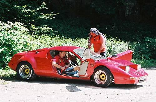 World's largest automobile encyclopedia 10.000 makes - 4500 concept ...