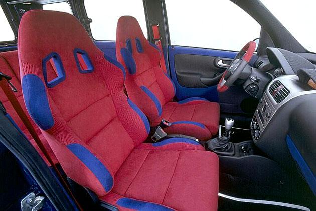 Opel - Combo-Eau Rouge