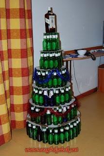 arvore de natal de garrafas de cerveja