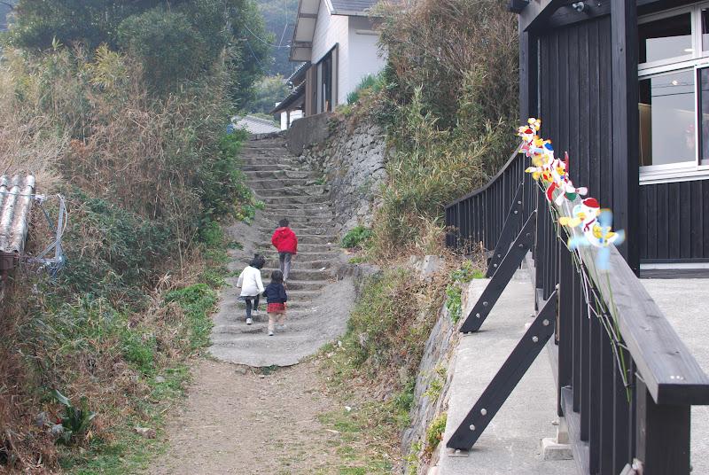 再生した漁村集落、伊座利(いざり)へ - IZARI. Success in the regeneration of the village
