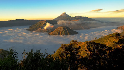 Bromo Volcano at Sunrise, Java, Indonesia.jpg