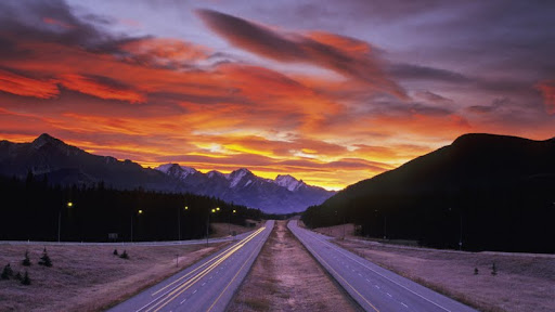 Trans-Canada Highway at Sunrise, Banff National Park, Alberta.jpg