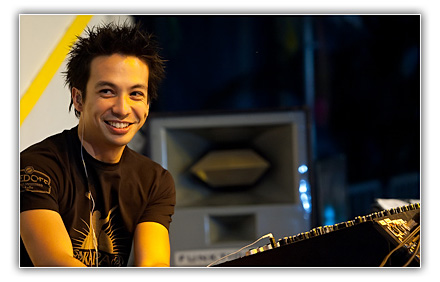 Laidback Luke - Essential Mix-SAT-02.19.2011
