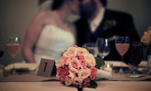 Wedding Flowers by Heidi bouquet photograhed by JLB wedding photography