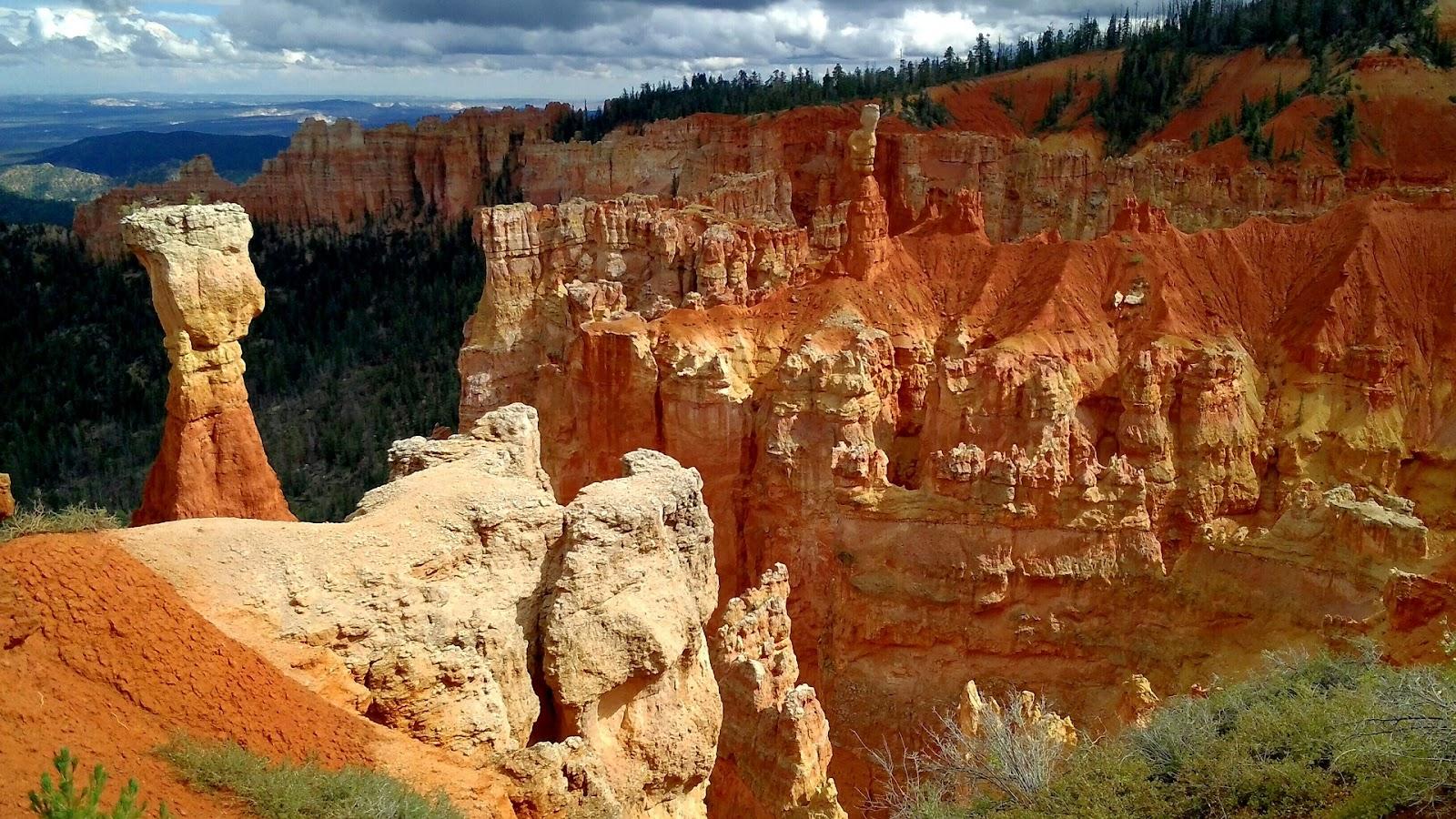 bryce-canyon-red-rocks-utah