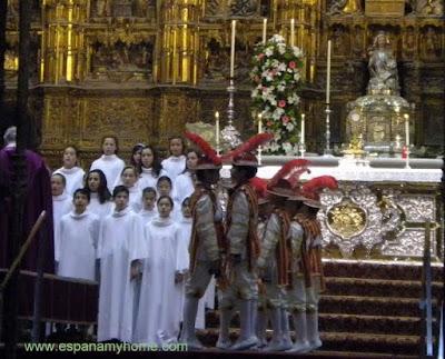 кафедральный собор севильи. танец пажей.