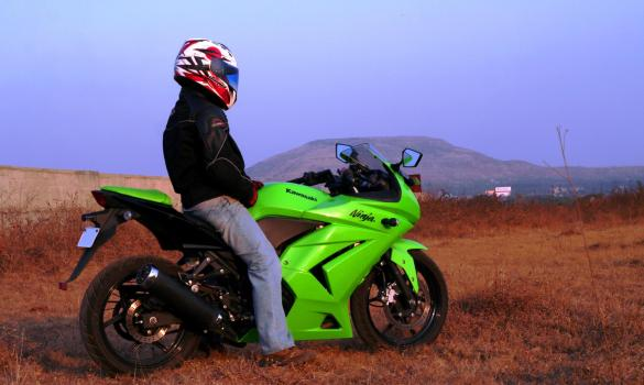 Unforgettable Date With The Kawasaki Ninja 250r Review Bike
