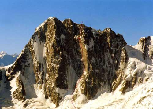 Вершина Гранд Жорасс, высота 4208 м