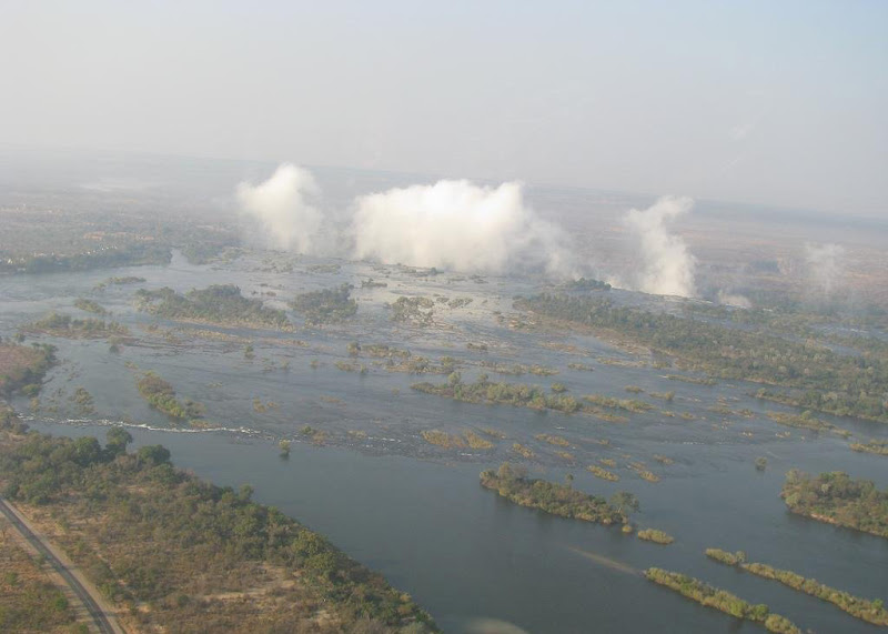 Река Замбези, выше по течению от водопада Виктория