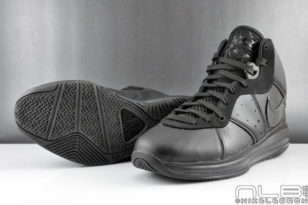 Nike Air Max LeBron 8 V1 Triple Black Showcase in HD