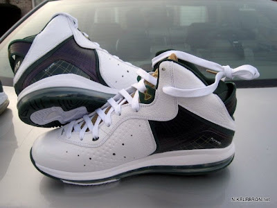 nike air max lebron 8 pe svsm home 3 03 Nike Air Max LeBron 8 V/1   SVSM Home&Away   Detailed Look