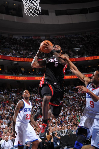 Wade amp James Take Care of Business LeBron 8 PS Away Debuts