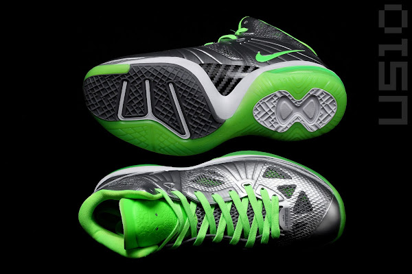 Detailed Look at LeBron 8 PS Dunkman Edition Releasing This Week
