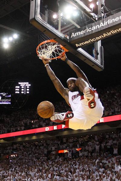 Dwyane Wade amp LeBron James lead Heat past Celtics into East finals