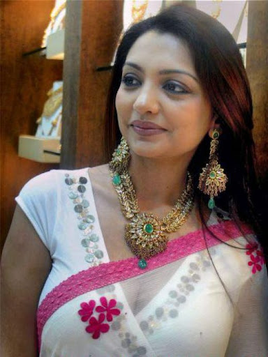 Indian aunty hot photos