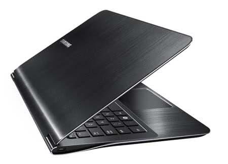 Toshiba Satellite A665 Series, Ultra Thin Laptop, MacBook Air Head-On