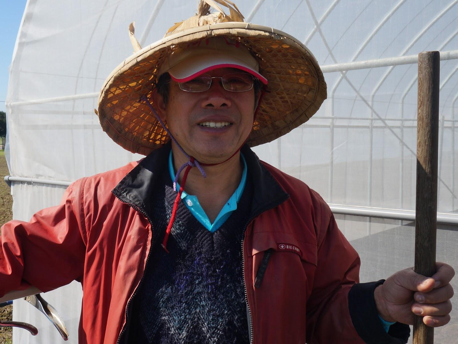 吳文岳向我們一一介紹他的菜園-3.jpg