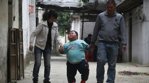 pictures of 3 Years Old Chinese Toddler Weighs Over 60Kg