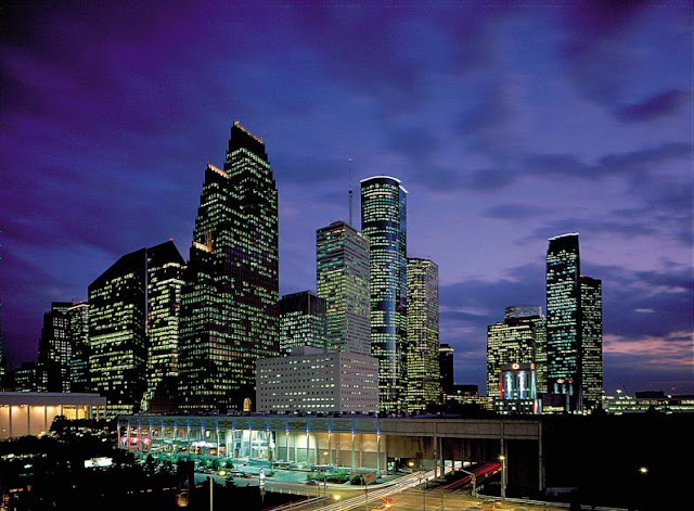 houston_skyline_dark.jpg
