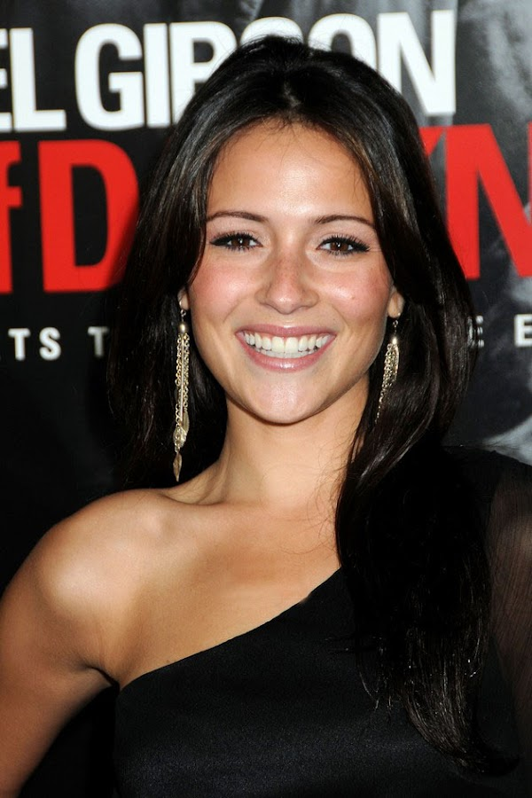 We really need to see more of Italia Ricci…(celebrities-10photos)10