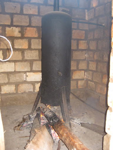 African-style hot water heater