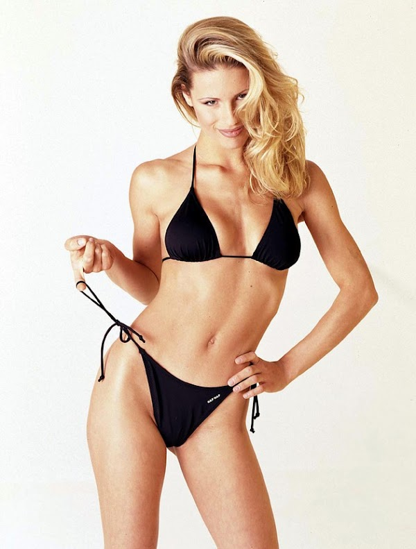 Michelle Hunziker in a bikini, part five:celebrities,bikini girl0