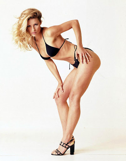 michelle hunziker bikini shoot 006 130x120 Michelle Hunziker in a bikini, part five