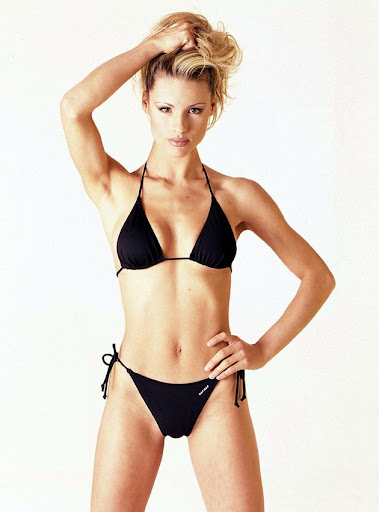 michelle hunziker bikini shoot 002 130x120 Michelle Hunziker in a bikini, part five