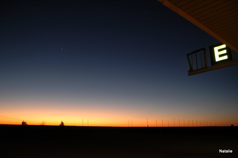 Melbourne to CooberPedy: Sunrise at Pimba (Spud's Roadhouse)