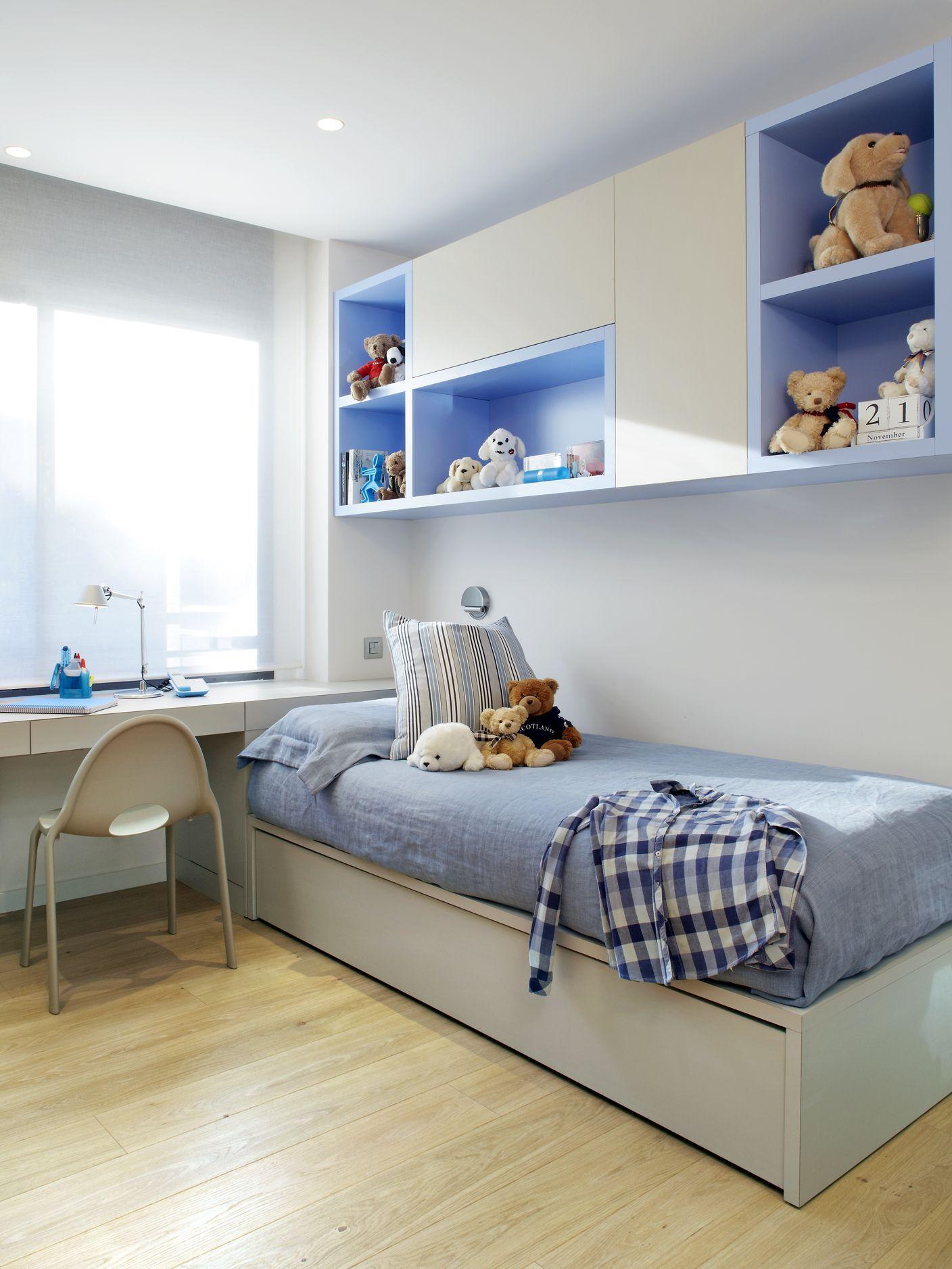 Phòng ngủ màu xanh với thiết kế gỗ công nghiệp dành cho bé trai
