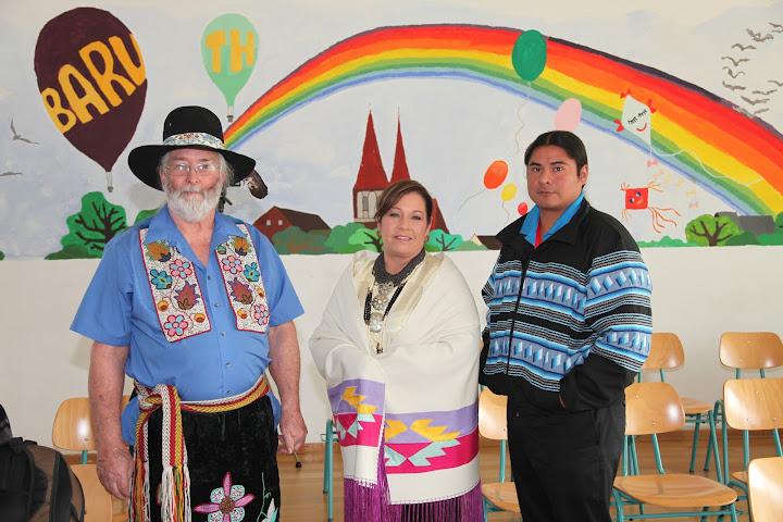 US-amerikanische Indianerstämme besuchen Oberschulen in Berlin und Brandenburg