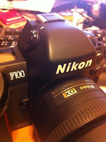 Nikon DX35mm f1.8初上Nikon F100
