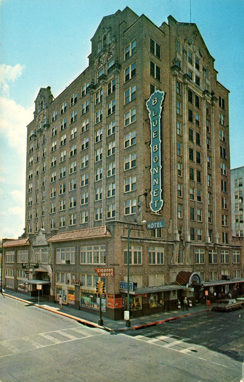 Blue Bonnet Hotel