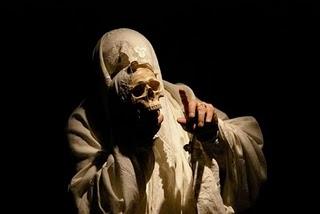 Dança da morte / Dança de la muerte.- Nao d'amores y Teatro da Cornucópia