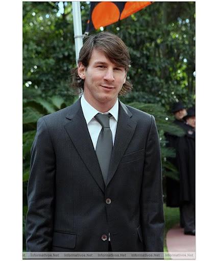 https://lh5.googleusercontent.com/_iWMJcoCyrD8/TVL6MllAQVI/AAAAAAAADwc/zB0qnjlyyKM/suit_4.jpg