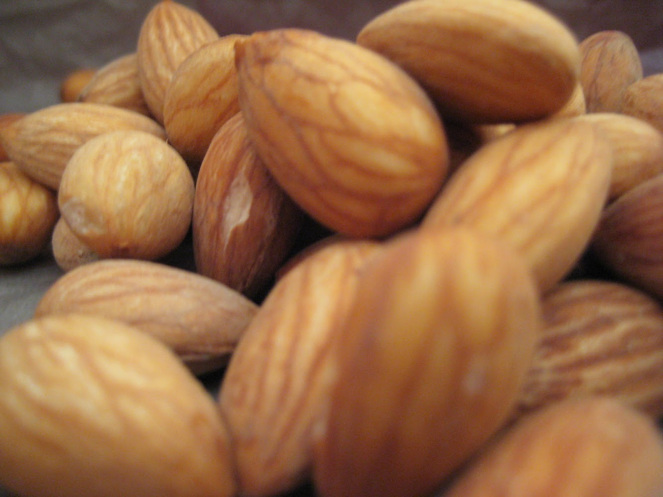 Where in the World are Raw Almonds?