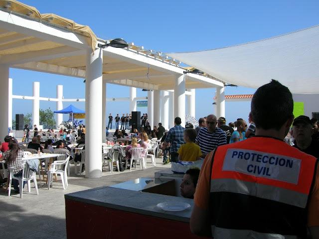 Voluntario de Protección Civil Benalmadena en un momento de la Concentración.