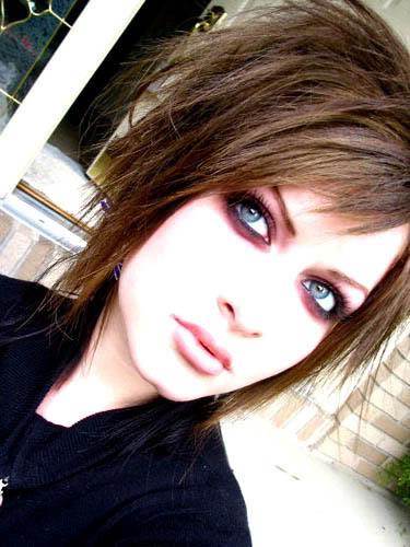 Peinado emo mujer pelo corto