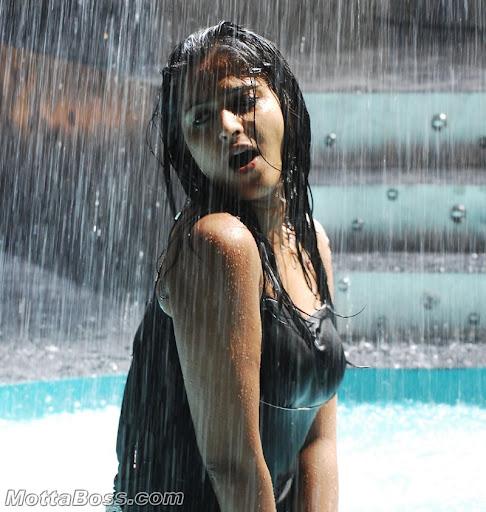 Anushka Hot Wet Dress Exposing Photos