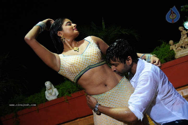 Priyamani Hot Spicy Romance Photos From RAAJ Movie