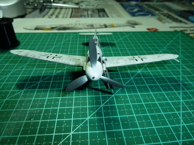 Olá! Gostaria de contribuir com o forum. Segue Bf 109G-6 ... P1010205