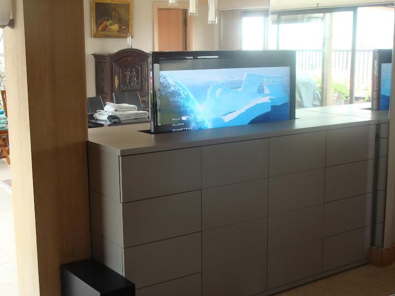 Meubles tv sur mesure motoris s 29962276 sur le for Meuble tv escamotable motorise