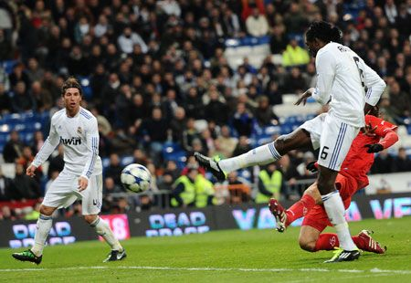 Adebayor, Real Madrid - Sevilla