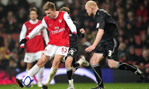 Nicklas Bendtner, Arsenal - Leyton Orient