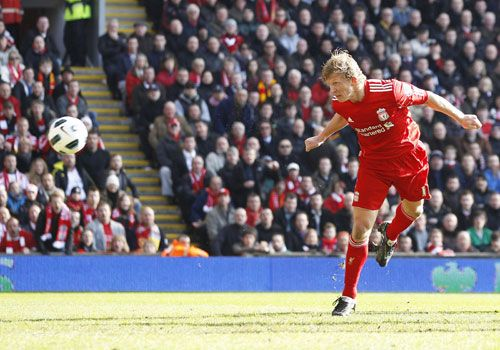 Dirk Kuyt header, Liverpool - Manchester United