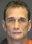 Americano pega 2 meses de cadeia após sexo oral em homem dormindo