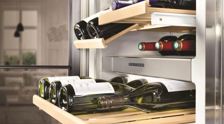 Side-by-Side холодильник Liebherr SBSes 8486: відділення для зберігання вина
