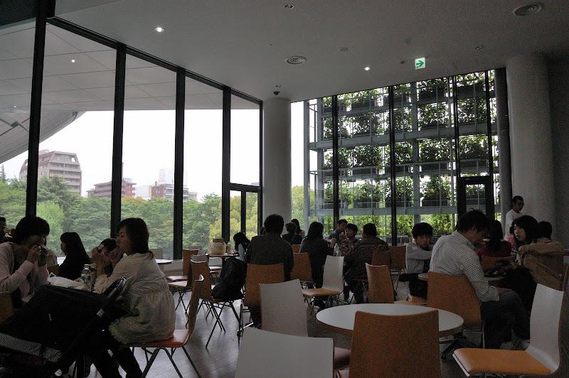 名古屋市科学館・3階休憩室写真
