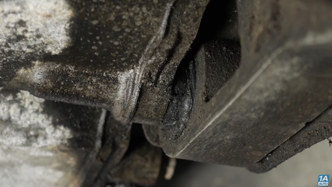 Oil leaking on to motor mount