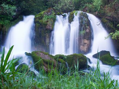 Cascada al costat de la Dou del Bastareny
